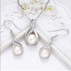 Fresh water pearl & diamond necklace & earrings